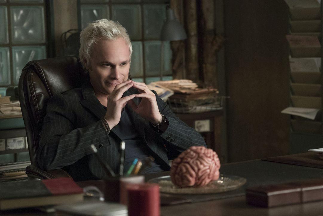 Blaine (David Anders) - Bildquelle: Warner Bros.