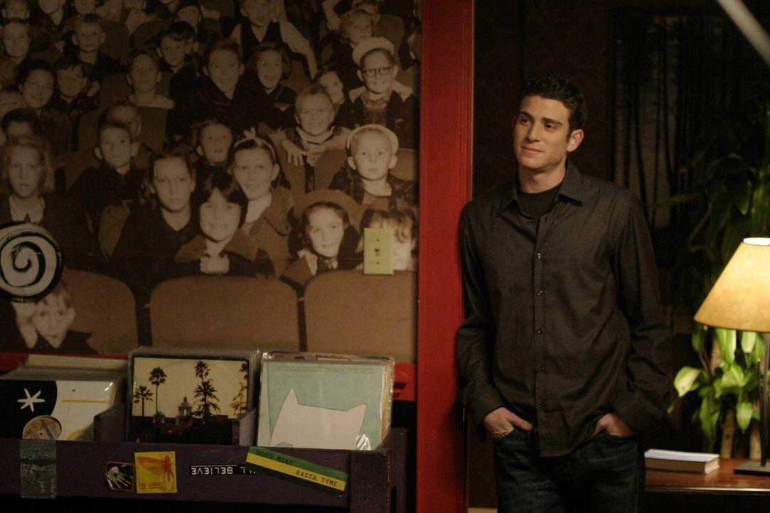 Jake (Bryan Greenberg) freut sich auf sein erstes Date mit Peyton und ist dementsprechend aufgeregt ... - Bildquelle: Warner Bros. Pictures