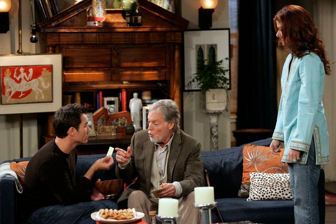 Will (Eric McCormack, l.) hat eine neue Flamme - zumindest platonisch. Es handelt es sich um Clyde (Richard Chamberlain, M.), einen etwas älteren Ma... - Bildquelle: NBC Productions