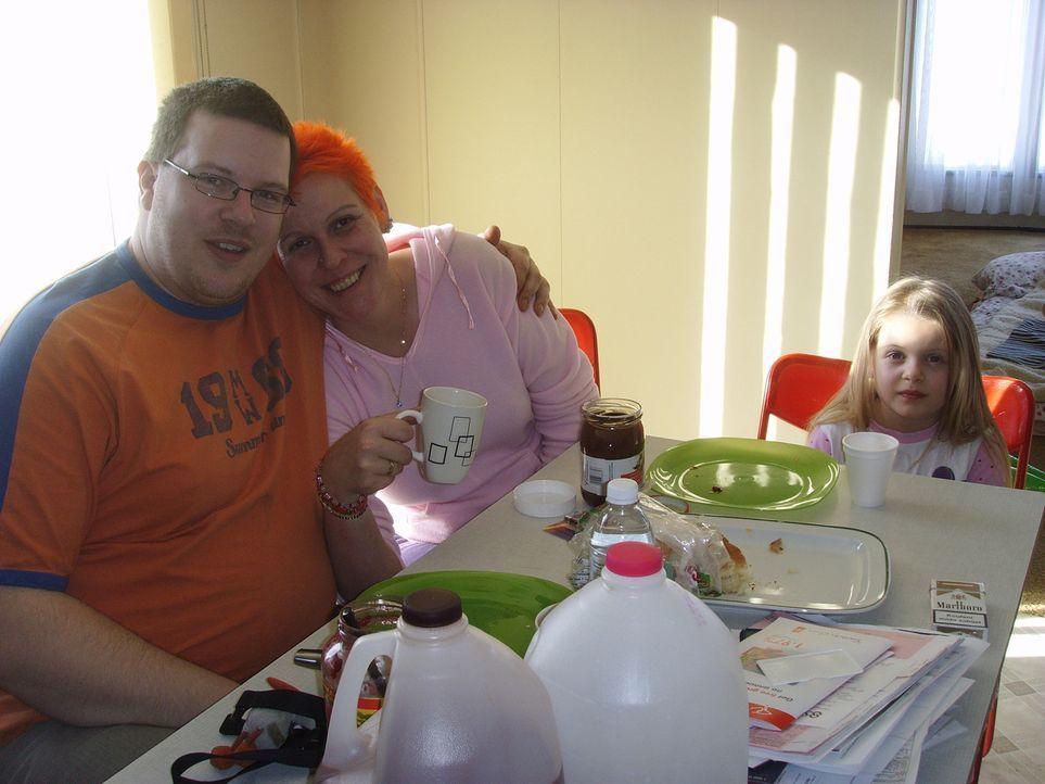 Der LKW - Fahrer Sven (29) und die technische Zeichnerin Bettina (36) Dietrich aus Limbach - Oberfrohna träumen von einer besseren Zukunft für sic... - Bildquelle: kabel eins
