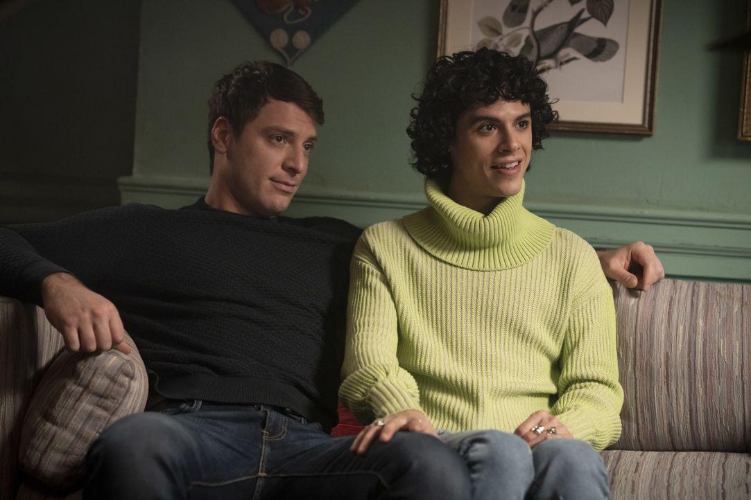 Bernardo (Ryan Faucett, l.); Jorge Lopez (Jonny Beauchamp, r.) - Bildquelle: Peter Kramer 2020 The CW Network, LLC. All Rights Reserved. / Peter Kramer