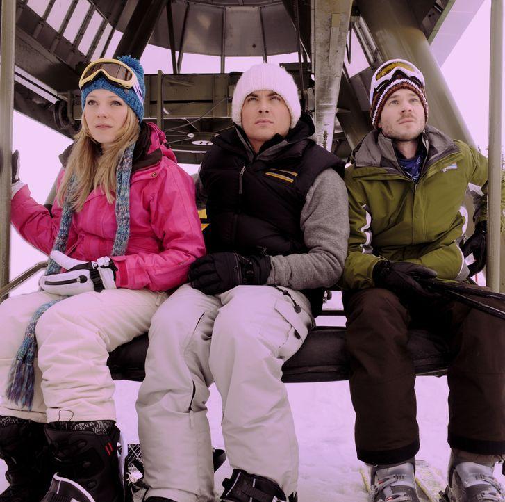 Ein Skitag entwickelt sich für Joe (Shawn Ashmore, r.), Dan (Kevin Zegers, M.) und Parker (Emma Bell, l.) zum Alptraum ihres Lebens, als sie im Skil... - Bildquelle: Fred Hayes Frostbite Features, Inc. / Fred Hayes