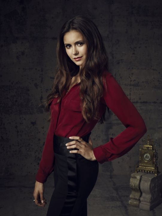 Nina Dobrev ist Elena Gilbert - Bildquelle: Warner Bros. Television