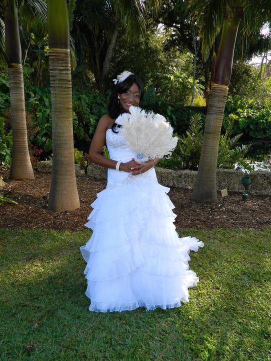 Kann Debbie die anderen Bräute mit ihrer Hochzeit überzeugen? - Bildquelle: Richard Vagg DCL