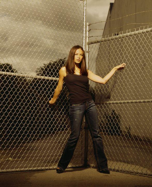 (4. Staffel) - Nachdem Clark sie verlassen hat, um sie zu schützen, verliebt sich Lana (Kristin Kreuk) in Paris in Jason ... - Bildquelle: Warner Bros.