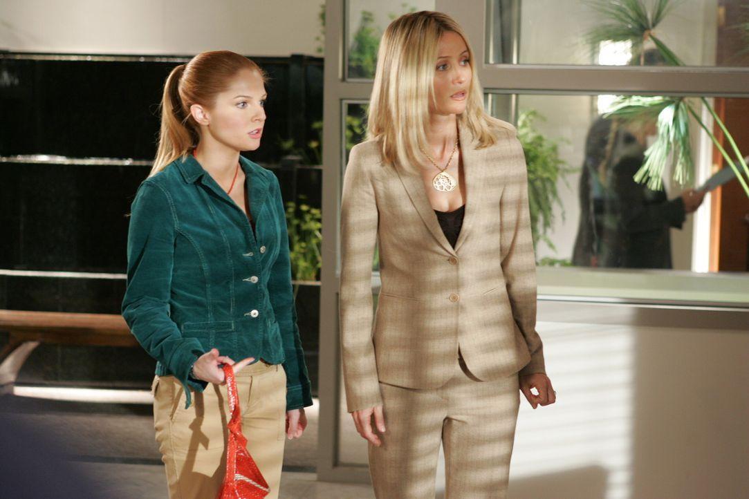 In Calebs Büro erfahren Kirsten (Kelly Rowan, r.) und Lindsay (Shannon Lucio, l.) von Calebs Adoptionswunsch ... - Bildquelle: Warner Bros. Television