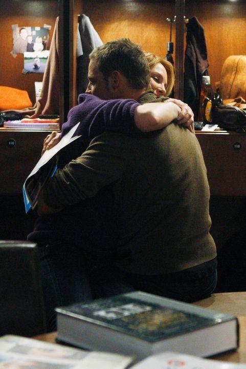 Werden sie wieder zusammenfinden? Izzie (Katherine Heigl, l.) und Alex (Justin Chambers, r.) ... - Bildquelle: Touchstone Television