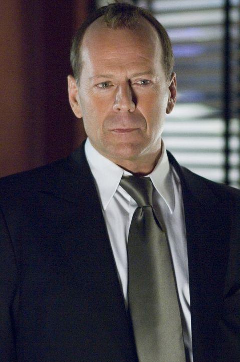 Überzeugt  davon, dass Harrison Hill (Bruce Willis) der Mörder ihrer Freundin ist, heftet sich die Journalistin Rowena Price an seine Fersen und sch... - Bildquelle: Copyright   2007 Revolution Studios Distribution Company, LLC. All Rights Reserved.