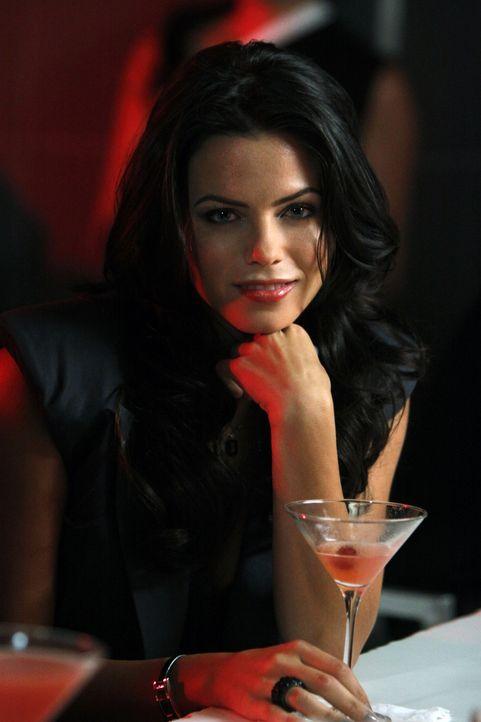 Wird sich Kendra (Jenna Dewan) zwischen die Verlobten drängen? - Bildquelle: 2009 The CW Network, LLC. All rights reserved.