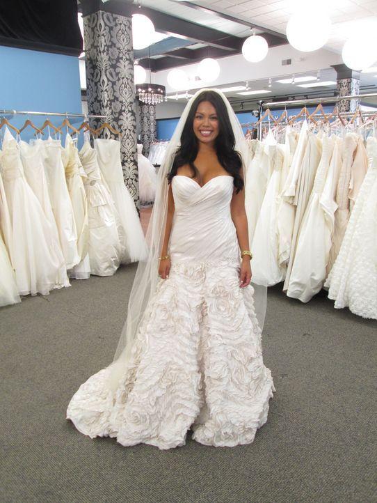 """Findet Kerri ein Kleid, das sie zu einer """"Jessica Rabbit"""" macht? Kann Alyssa während ihrer Schwangerschaft ein Kleid aussuchen, obwohl sie erst nach... - Bildquelle: TLC"""