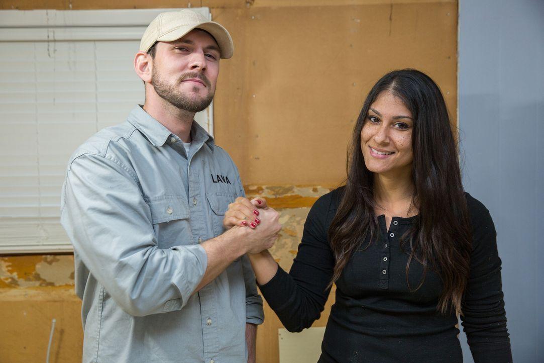 Trey (l.) und Lex (r.) stecken viel Arbeit in den Umbau der alten Ranch von Familie Head, während Alana nach einem größeren Haus für die fünfköpfige... - Bildquelle: Matt Blair 2016,HGTV/Scripps Networks, LLC. All Rights Reserved