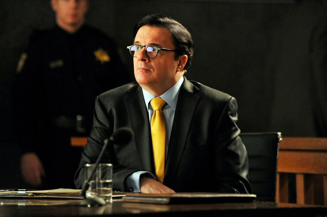 Clarke Hayden (Nathan Lane) will die neue Kanzlei Florrick/Agos in Finanzfragen beraten ... - Bildquelle: Jeffrey Neira 2013 CBS Broadcasting Inc. All Rights Reserved.