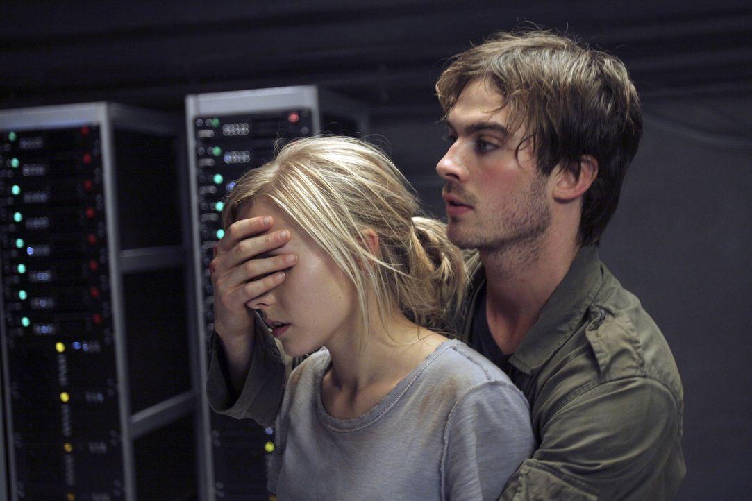 Schau mir in die Augen, Kleines!: Dexter (Ian Somerhalder, r.) weiß genau, dass Mattie (Kristen Bell, l.) den grausigen Gestalten niemals in die Au... - Bildquelle: The Weinstein Company