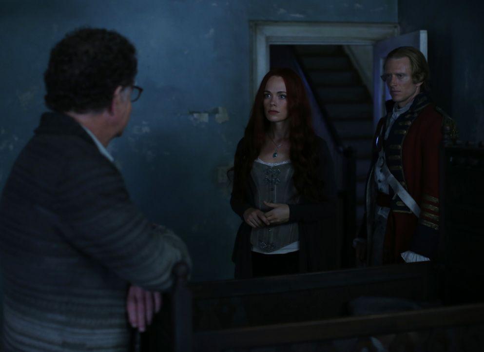 Als Katrina (Katia Winter, M.) erkennt, dass Henry (John Noblem, l.) und Abraham (Neil Jackson, r.) stärker sind als erwartet, trifft sie eine folge... - Bildquelle: 2014 Fox and its related entities. All rights reserved