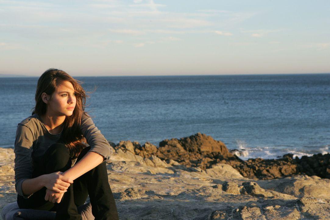 Kaitlin (Willa Holland) fühlt sich für den Tod von Johnny verantwortlich ... - Bildquelle: Warner Bros. Television