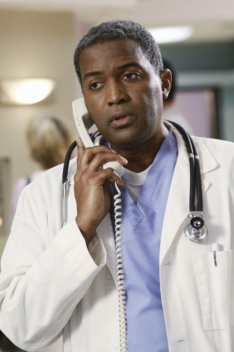 Muss Paul, die schlechte Nachricht von Beths Selbstmord mitteilen: Dr. Jenkins (Karl T. Wright) ... - Bildquelle: ABC Studios
