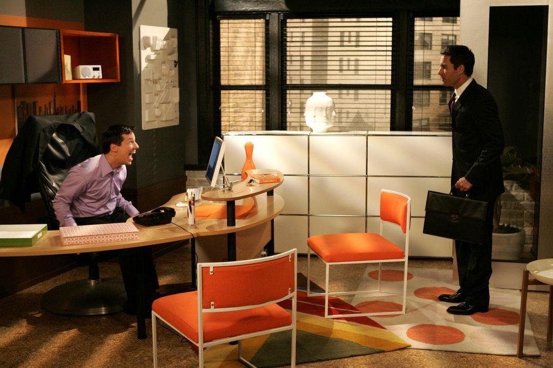 Will (Eric McCormack, r.) bekommt eine zweite Chance beim Schwulen-Sender 'Out TV', doch er hat dabei nicht mit Jack (Sean Hayes, l.) gerechnet ... - Bildquelle: Chris Haston 2003 NBC, Inc. All rights reserved.