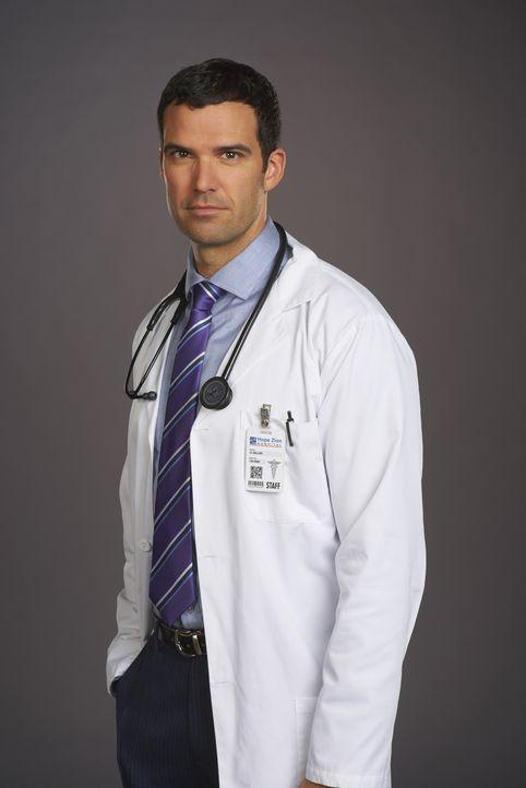 (3. Staffel) - Tragische und vor allem schwierige Fälle warten auf Dr. Zachary Miller (Benjamin Ayres) und ganz nebenbei muss er auch noch seiner Va... - Bildquelle: 2014 Hope Zee Three Inc.