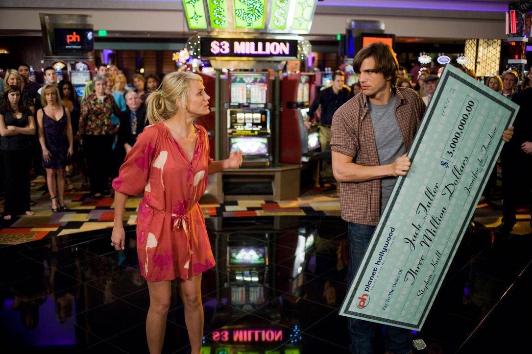 Joy McNally (Cameron Diaz, l.); Jack Fuller (Ashton Kutcher, r.) - Bildquelle: 2008 Twentieth Century Fox Film Corporation. All rights reserved.