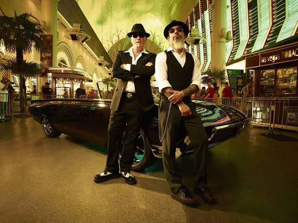 Sie machen die Straßen von Las Vegas unsicher und haben nur eine Mission: Dirk (l.) und Ruckus (r.) spüren schlechte Tattoos auf und verwandeln tota... - Bildquelle: 2013 A+E Networks, LLC
