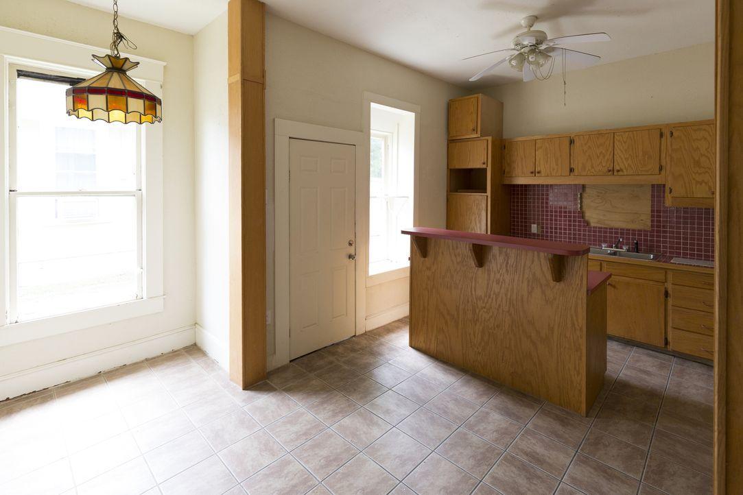 Obwohl sie viele Elemente des 1910 erbauten Hauses erhalten möchten, zählen Chip und Joanna die Küche nicht dazu ... - Bildquelle: 2017, HGTV/Scripps Networks, LLC. All Rights Reserved.