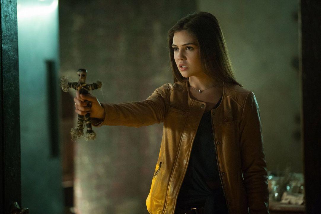 Nachdem Davina (Danielle Campbell) eine erschreckende Neuigkeit von Lucien erhalten hat, muss sie entscheiden, wie sie mit Kol umgehen soll ... - Bildquelle: Warner Bros. Entertainment, Inc.