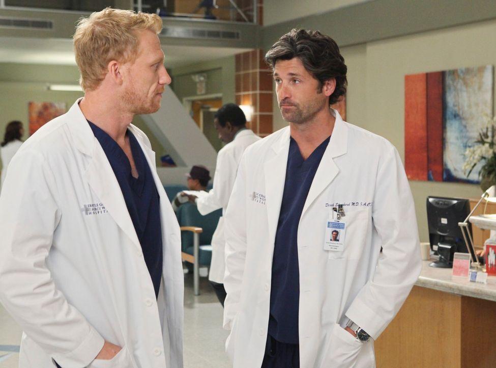 Während April von ihrem neuen Job als Stationsärztin vollkommen überfordert ist, haben Derek (Patrick Dempsey, r.) und Owen (Kevin McKidd, l.) weite... - Bildquelle: ABC Studios