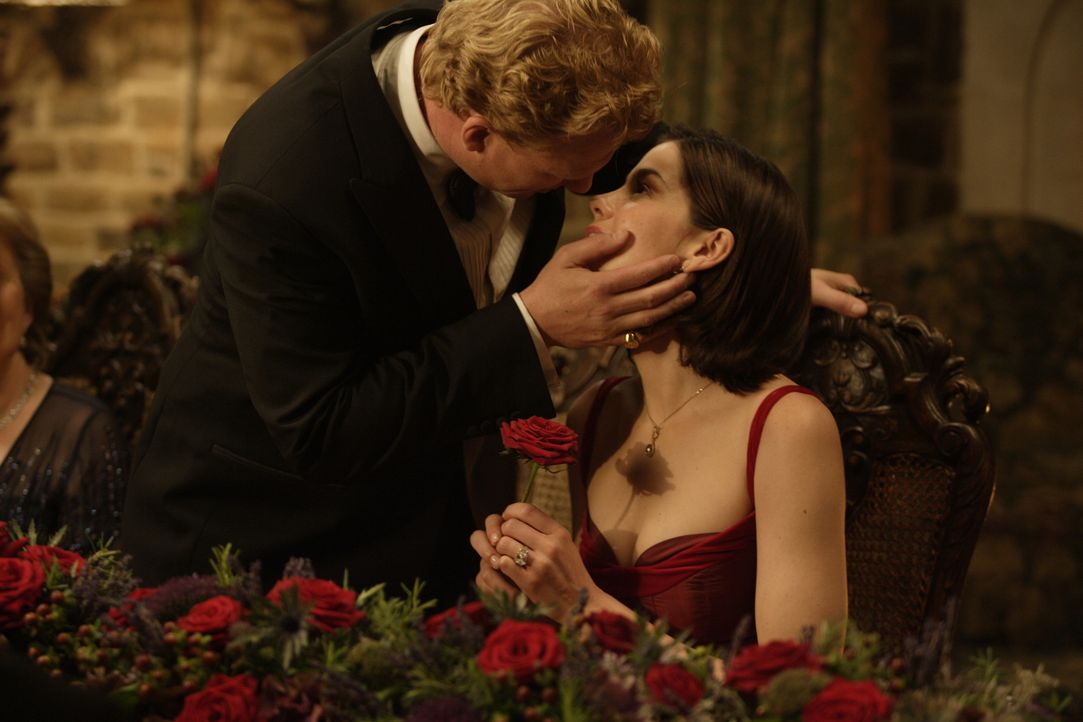 Schnelle Liebe: Gerade erst haben sich Hannah (Michelle Monaghan, r.) und Colin (Kevin McKidd, l.) kennengelernt, schon wollen sie in den Hafen der... - Bildquelle: 2008 Columbia Pictures Industries, Inc. and Beverly Blvd LLC. All Rights Reserved.