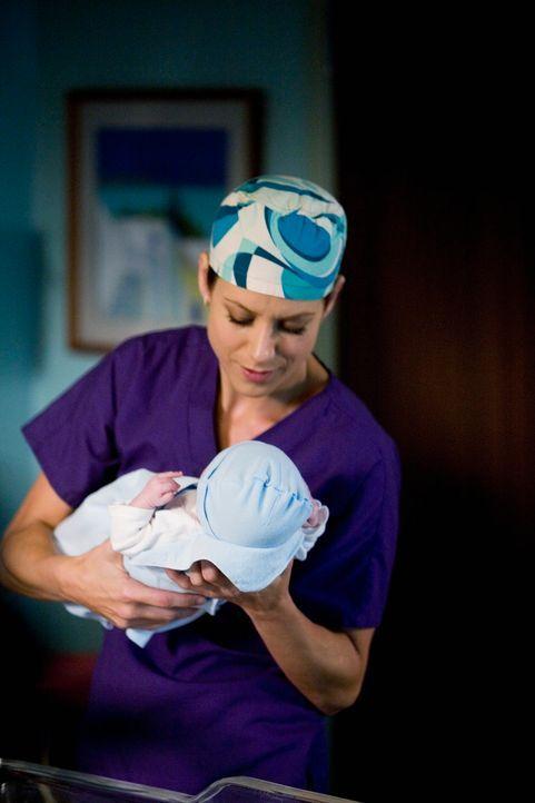 Hat einen guten Job geleistet: Addison (Kate Walsh) konnte mit Hilfe ihres Bruders Mutter und Kind retten ... - Bildquelle: ABC Studios