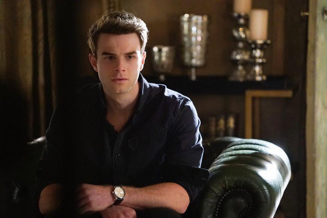 Kol (Nathaniel Buzolic) muss sich seinem Bruder Finn stellen. Kein leichtes Zusammentreffen, wo doch Finn für Kols Tod verantwortlich war ... - Bildquelle: Warner Bros. Entertainment, Inc.