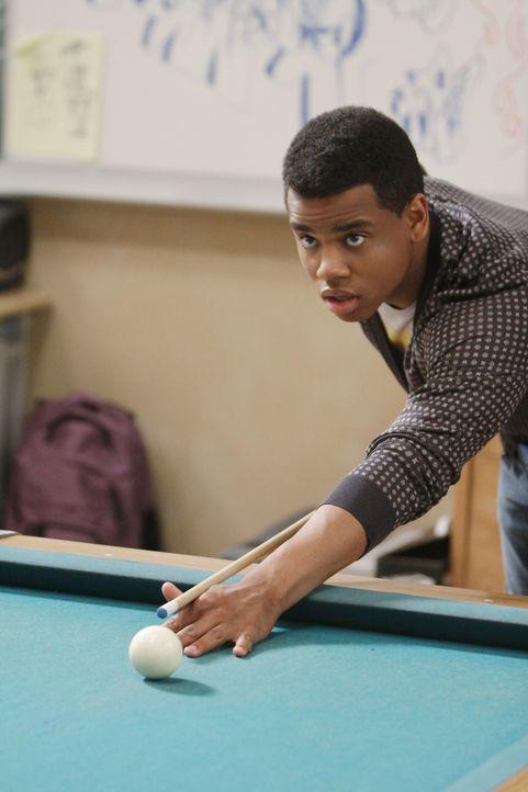 Noch ahnt Dixon (Tristan Wilds) nicht, dass er noch etwas für Silver empfindet... - Bildquelle: TM &   CBS Studios Inc. All Rights Reserved