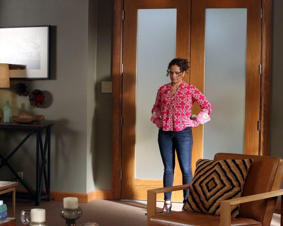 Obwohl Zoila (Judy Reyes) sich geschworen hat, sich nicht mehr in die Angelegenheiten von Valentina einzumischen, gibt sie Remi einen entscheidenden... - Bildquelle: 2014 ABC Studios