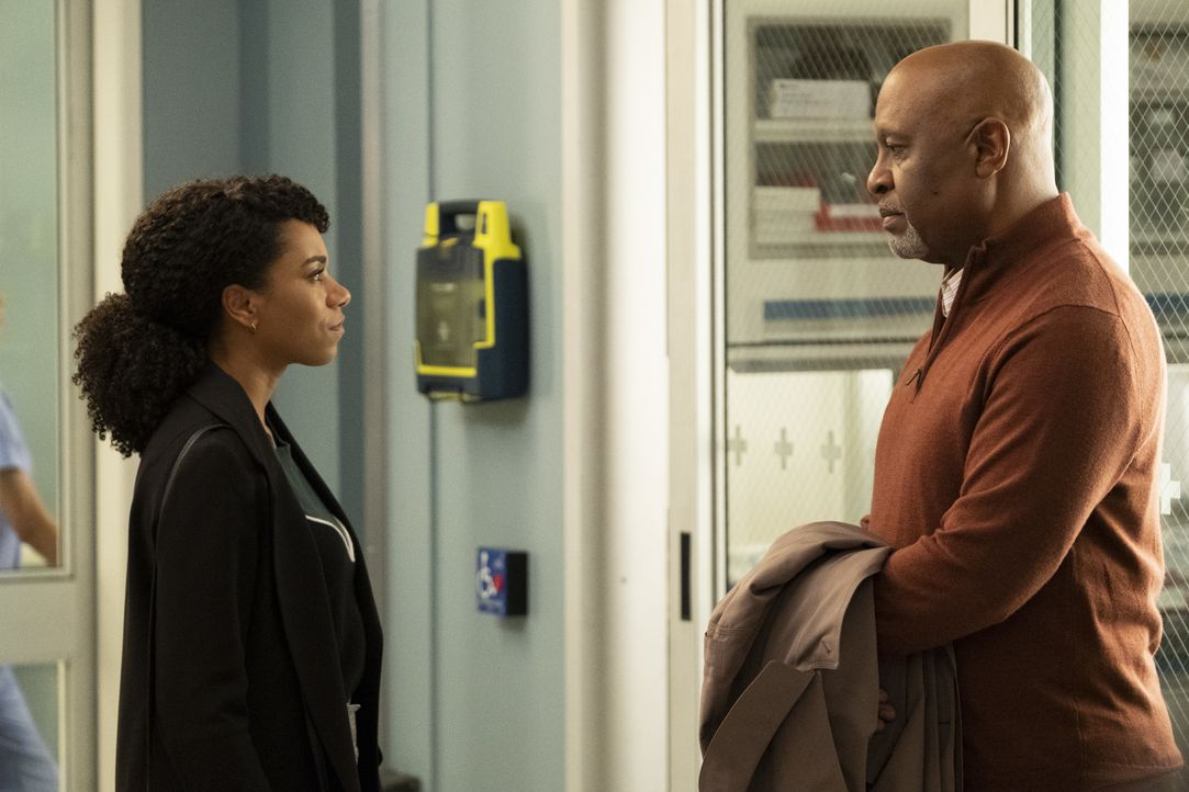 Dr. Maggie Pierce (Kelly McCreary, l.); Dr. Richard Webber (James Pickens Jr.) - Bildquelle: Jessica Brooks ABC Studios / Jessica Brooks
