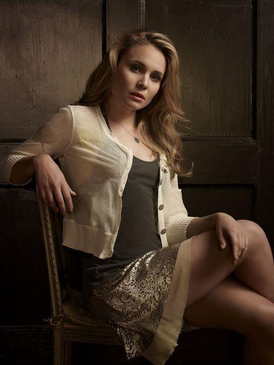 Leah Pipes ist Camille O'Connell - Bildquelle: Warner Bros. Entertainment Inc.