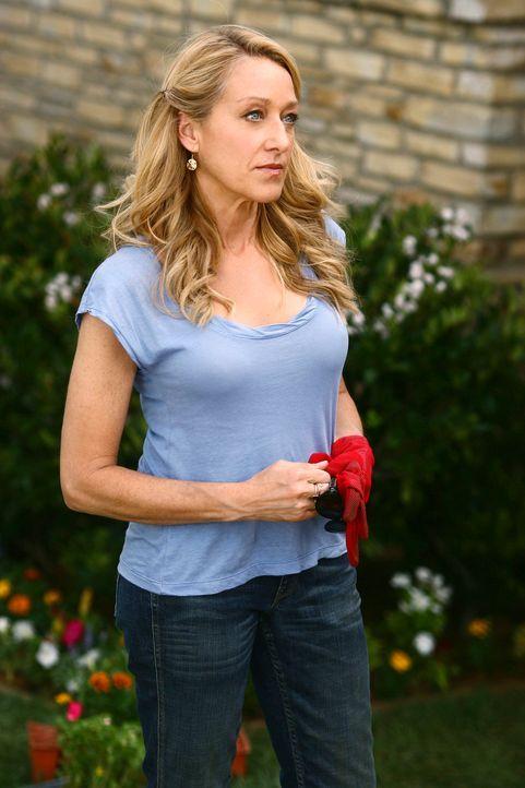 Holly Harper (Patricia Wettig) bekommt Besuch von Justin, der sie wegen der Affäre zu seinem Vater zur Rede stellt ... - Bildquelle: Disney - ABC International Television