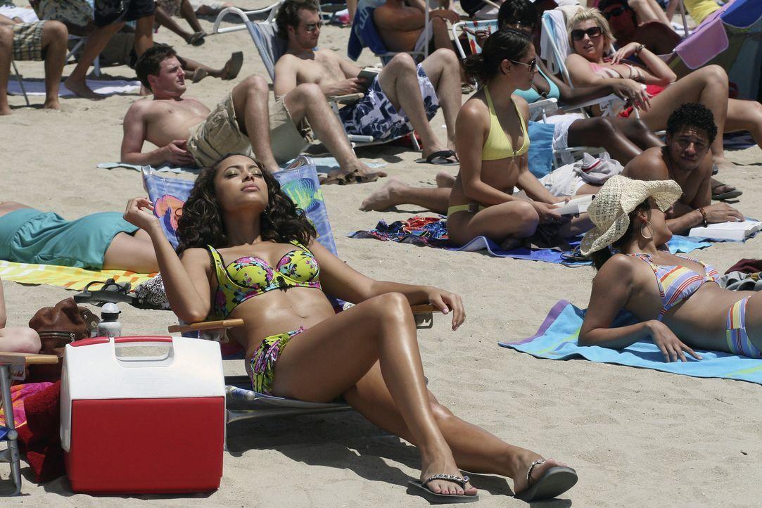Genießt die Ferien am Strand: Ashleigh (Amber Stevens) ... - Bildquelle: ABC Family