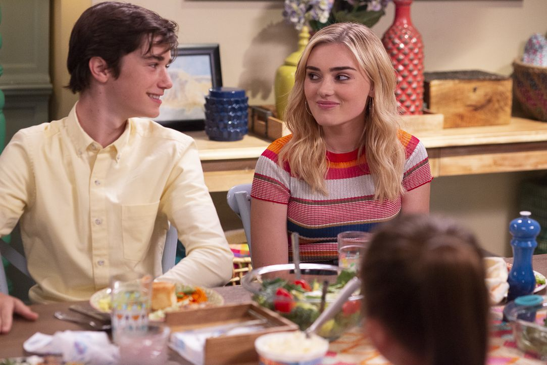 Oliver (Daniel DiMaggio, l.); Taylor (Meg Donnelly, r.) - Bildquelle: Michael Ansell 2018 American Broadcasting Companies, Inc. All rights reserved. / Michael Ansell