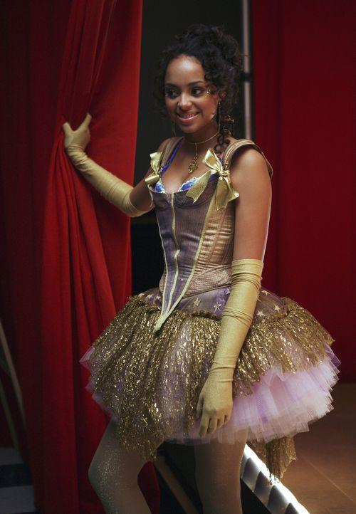 Freut sich auf die bevorstehende Theateraufführung: Ashleigh (Amber Stevens) ... - Bildquelle: 2007 ABC FAMILY. All rights reserved. NO ARCHIVING. NO RESALE.