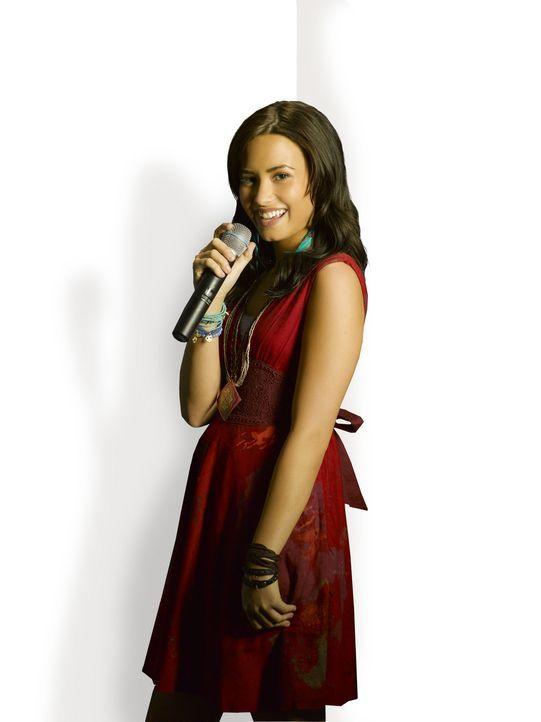 """Mitchie (Demi Lovato) freut sich, dass sie einen zweiten Sommer im """"Camp Rock"""" verbringen darf. Doch kaum dort angekommen, muss sie feststellen, das... - Bildquelle: Disney"""