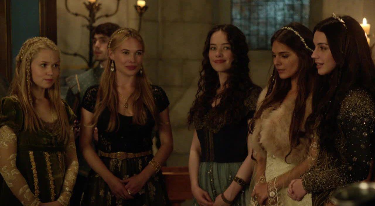 Mary und ihre Hofdamen beim festlichen Empfang - Bildquelle: 2014 The CW Network. All Rights Reserved.