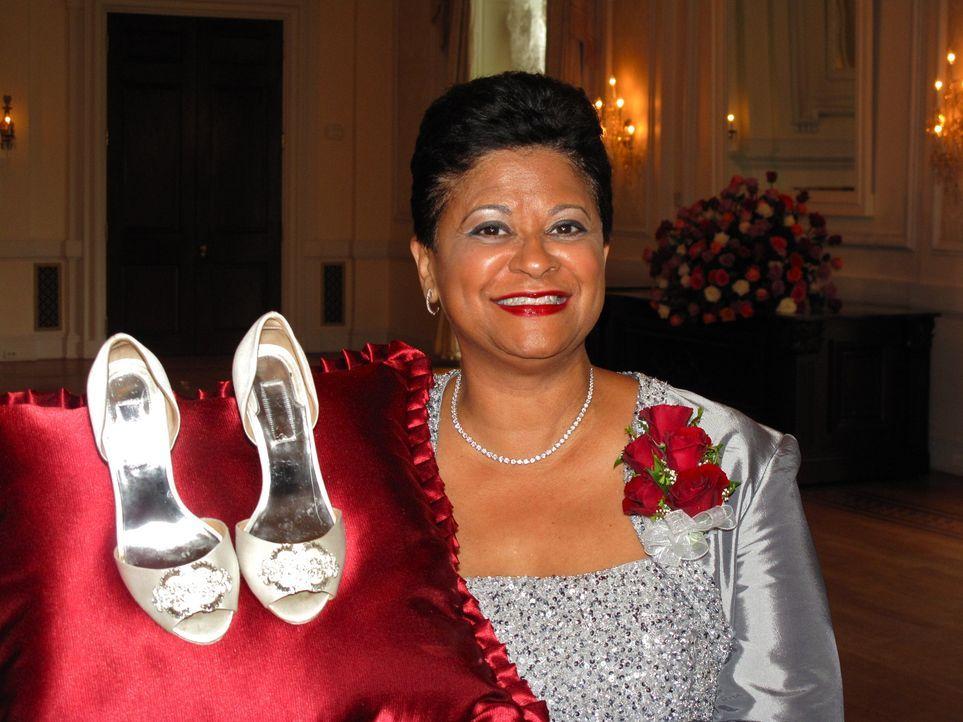 Judy weiß ganz genau, was sie von einer guten Hochzeit erwartet ... - Bildquelle: Richard Vagg DCL
