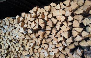 gehackte-Holzscheite