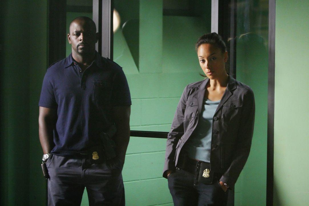 Als ein Vater und dessen Tochter von drei Männern entführt werden, übernehmen  Don und seine Kollegen David (Alimi Ballard, l.) und Liz (Aya Sumika,... - Bildquelle: Paramount Network Television