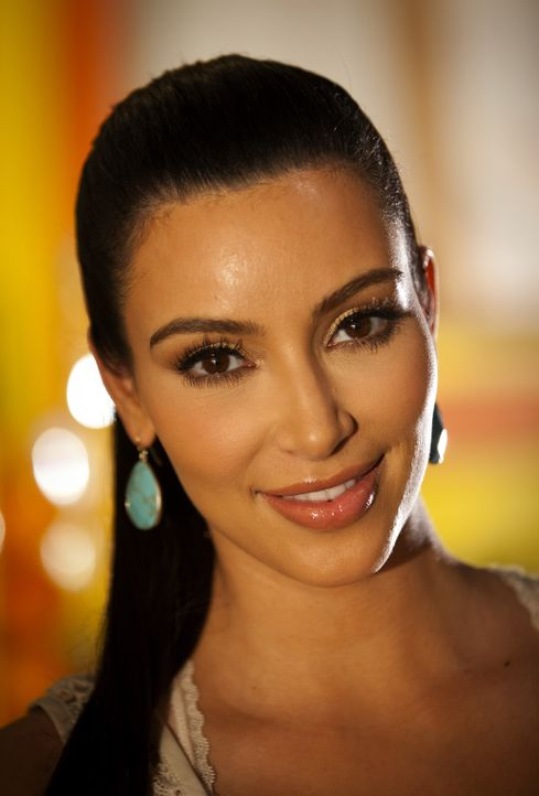 """In Sachen Liebe kennt sie sich besonders gut aus: """"Beziehungsguru"""" Nikki LaPree (Kim Kardashian) - Bildquelle: 2012 Sony Pictures Television Inc. All Rights Reserved."""
