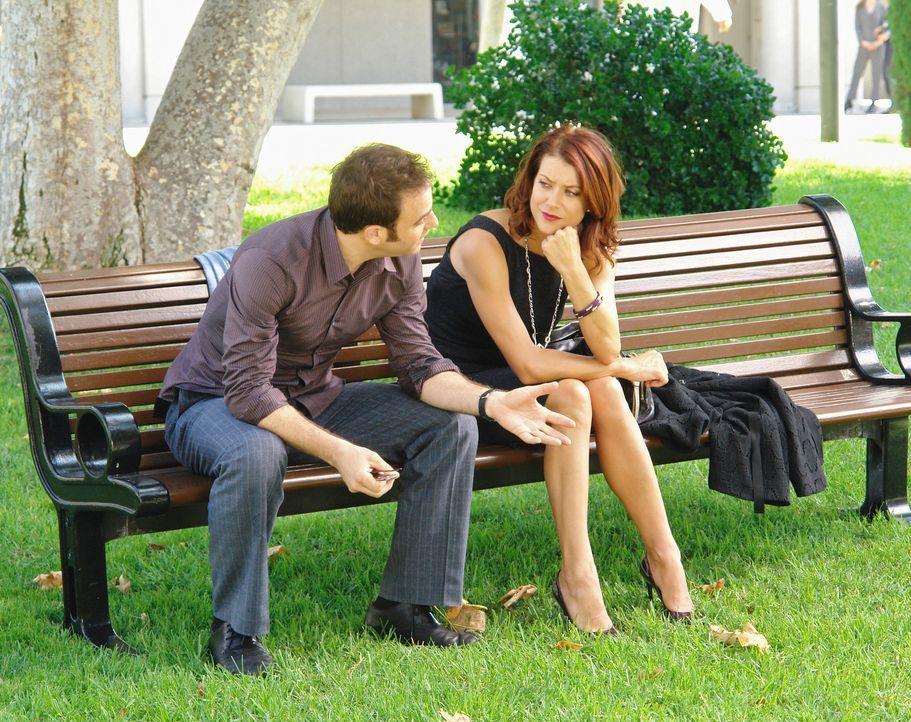 Während Kevin seine Beziehung mit Addison (Kate Walsh, r.) in Frage stellt, behandelt Cooper (Paul Adelstein, l.) einen Jungen - und macht dabei ein... - Bildquelle: ABC Studios