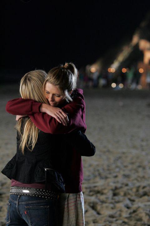 Nach alldem was vorgefallen ist, treffen Marissa (Mischa Barton, r.) und Alex (Olivia Wilde, l.) eine Entscheidung ... - Bildquelle: Warner Bros. Television