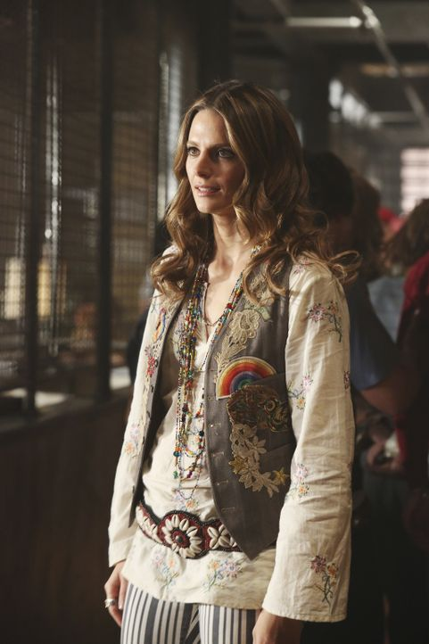 Zeitreise in die Siebziger: Kate Beckett (Stana Katic) ... - Bildquelle: 2013 American Broadcasting Companies, Inc. All rights reserved.