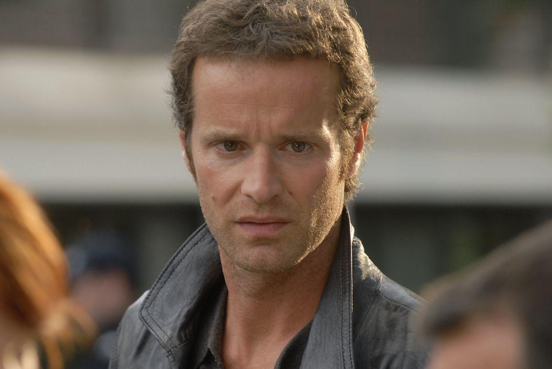 Kann Matthieu (Guillaume Cramoisan) den Ehemann einer ermordeten Frau noch lebend finden? - Bildquelle: Jean-François Baumard 2008 - Beaubourg Audiovisuel/BeFilms/RTBF (Télévision Belge) / Jean-François Baumard
