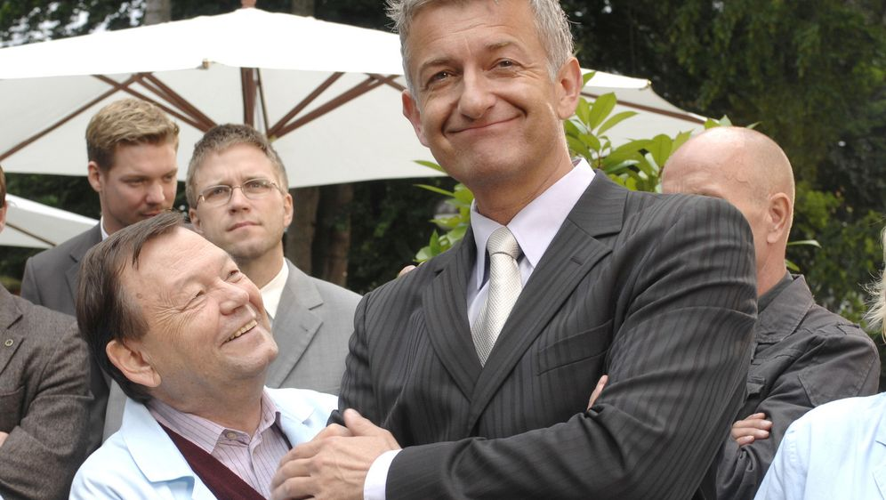 Wie angelt man sich seine Chefin - Bildquelle: Oliver Ziebe Sat.1