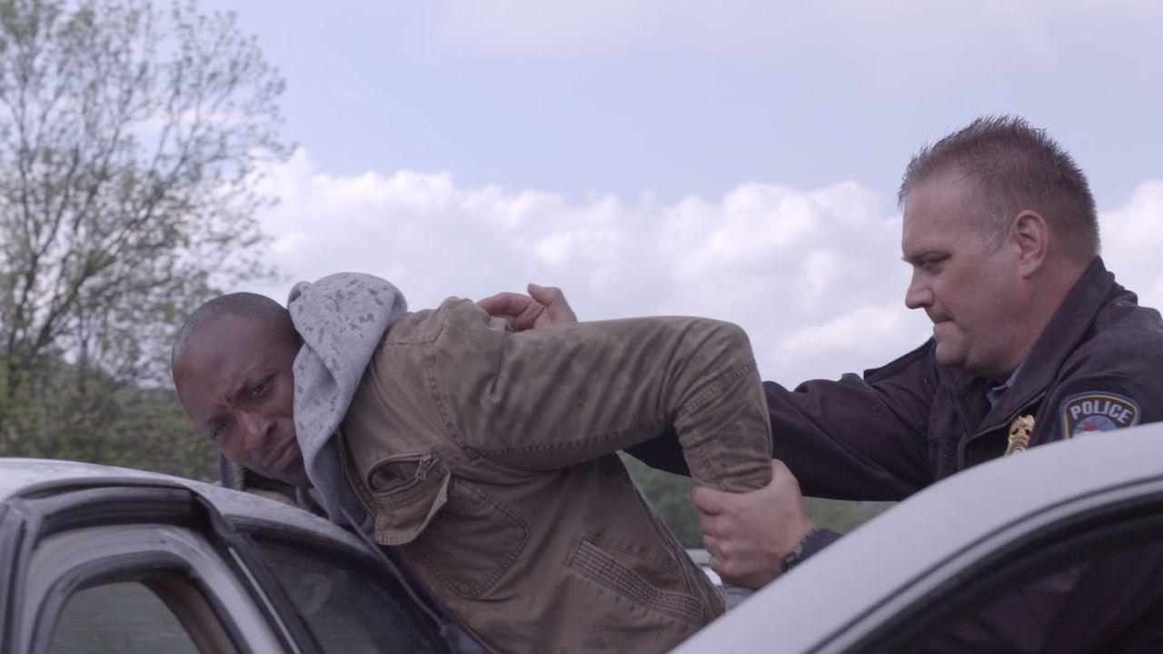 Hat Ben Colwood am Silvesterabend Miguel Mendez zu Tode geprügelt? Oder hat die Polizei den Falschen in Gewahrsam? - Bildquelle: Jupiter Entertainment